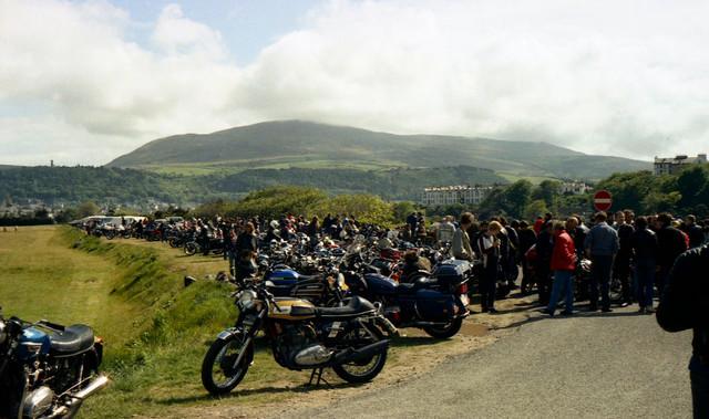 [Image: 1984-Isle-of-Man-Spectators-bikes-1.jpg]