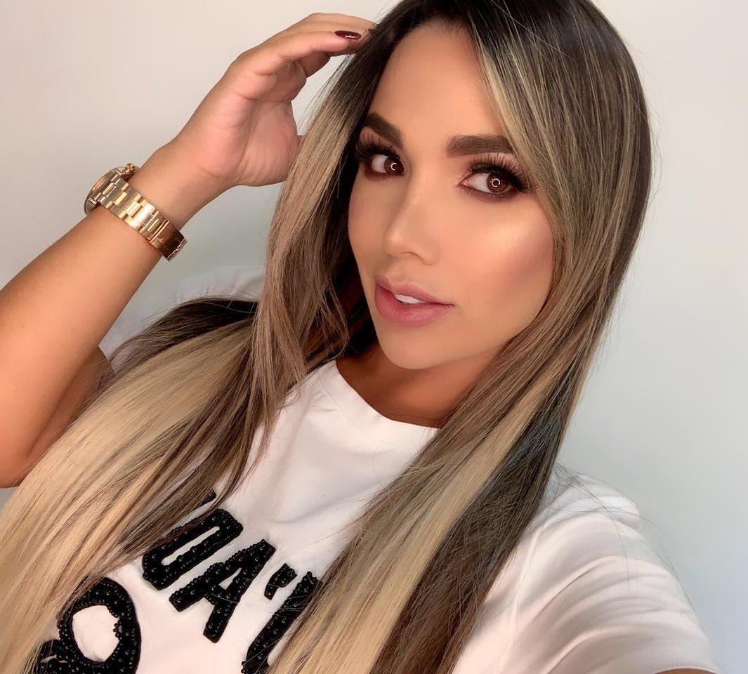 Daniela-Gutierrez-Wallpapers-Insta-Fit-Bio-3