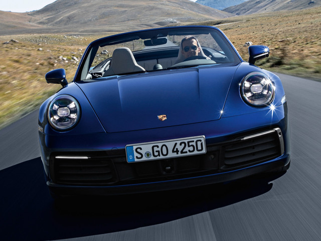 2018 - [Porsche] 911 - Page 13 Porsche-911-carrera-4s-cabriolet-148-0442038506e1052c