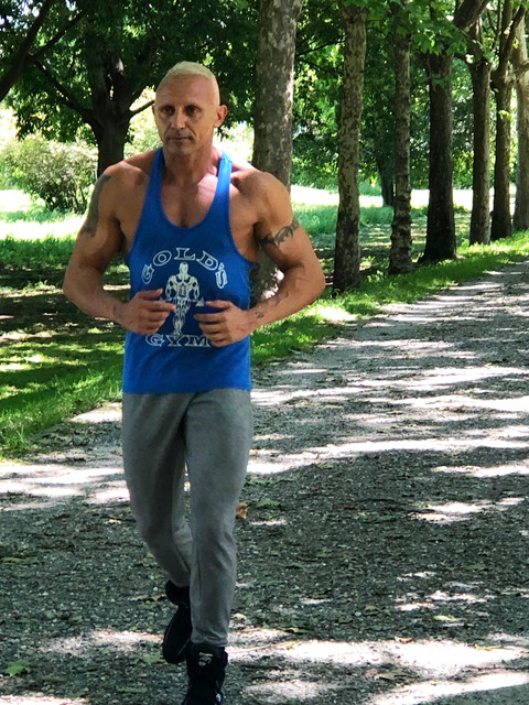 Actor Ivano Cheers spotted jogging in Miami