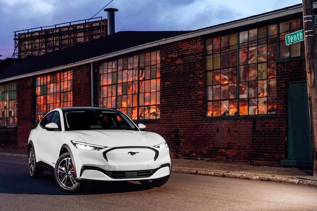 Les sons de la Mustang Mach-E inspirent un nouveau morceau d'un célèbre compositeur électro 2021-Mustang-Mach-E-01