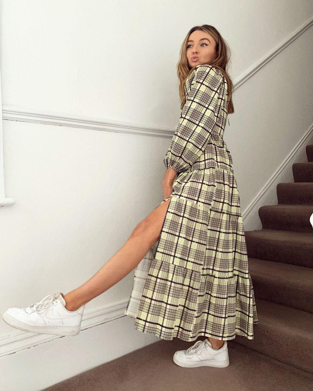Chloe-Hayward-Wallpapers-Insta-Fit-Bio-9