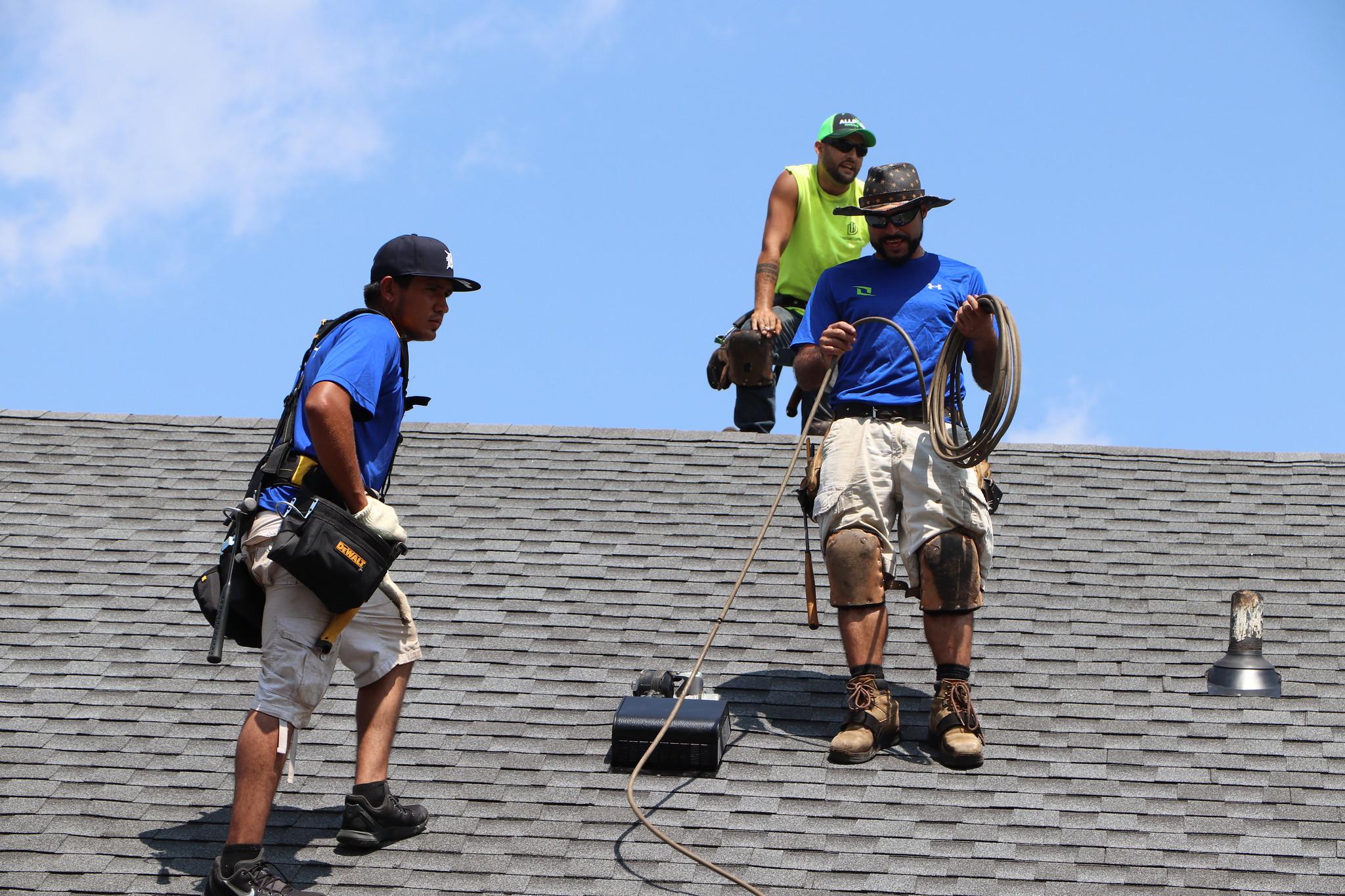 Roofing-Contractors-Dearborn-MI