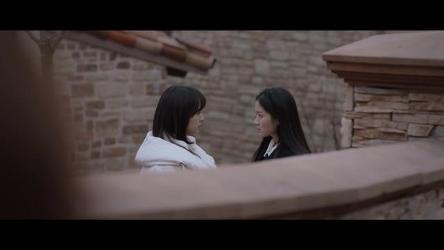 Jin Jin Hee melihat Kim Hye Na dan Kang Yeh Suh bertengkar.