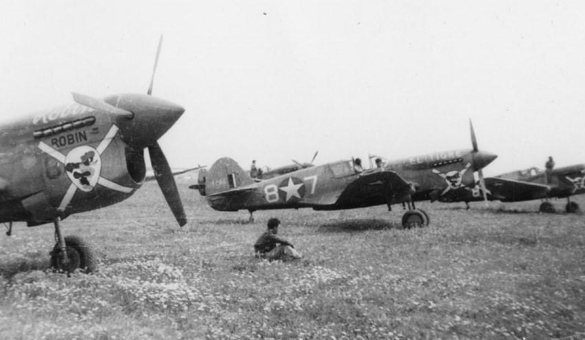 Curtiss-P-40-F-Warhawk-57-FG66-FS-White-