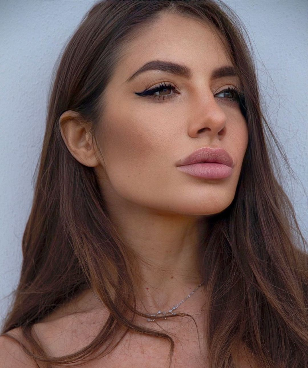 Ludovica-Genovesi-Wallpapers-Insta-Fit-Bio-13