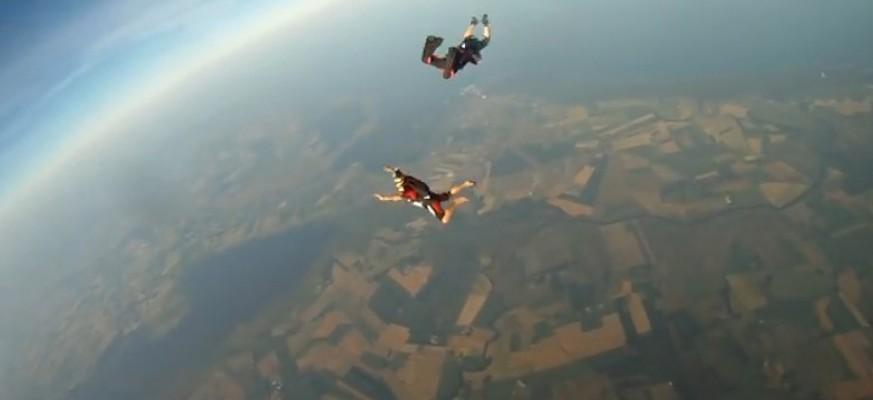 VIDEO: Ovako izgleda kada kamera 'preživi' i zabilježi pad sa 10.000 metara