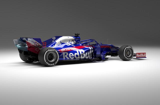 Scuderia-Toro-Rosso-STR14