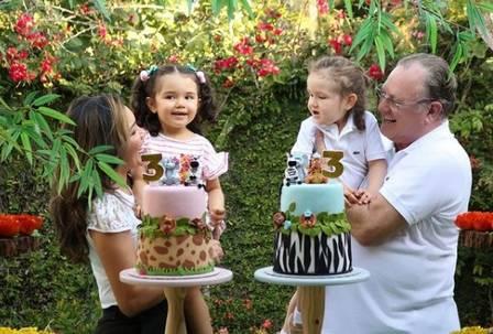 Karinah-familia-marido-filhas-cantora-comprou-casa-Xuxa-familia3