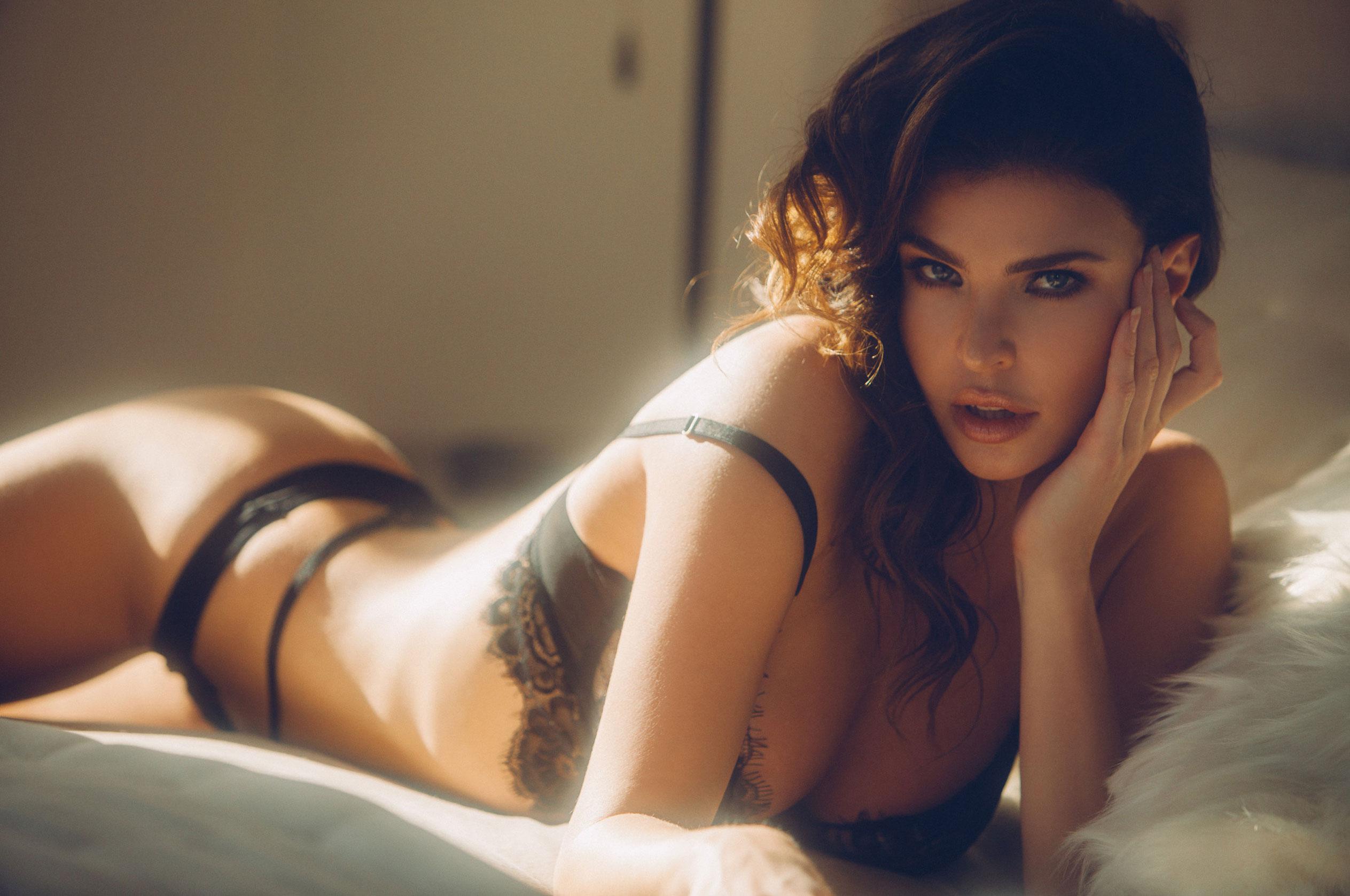 Юлия Лескова в люксовом французском нижнем белье / фото 08