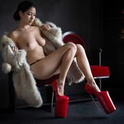 lady-in-red-ss2-dc2fc420-da15-4996-86b5-2ffec664f85a