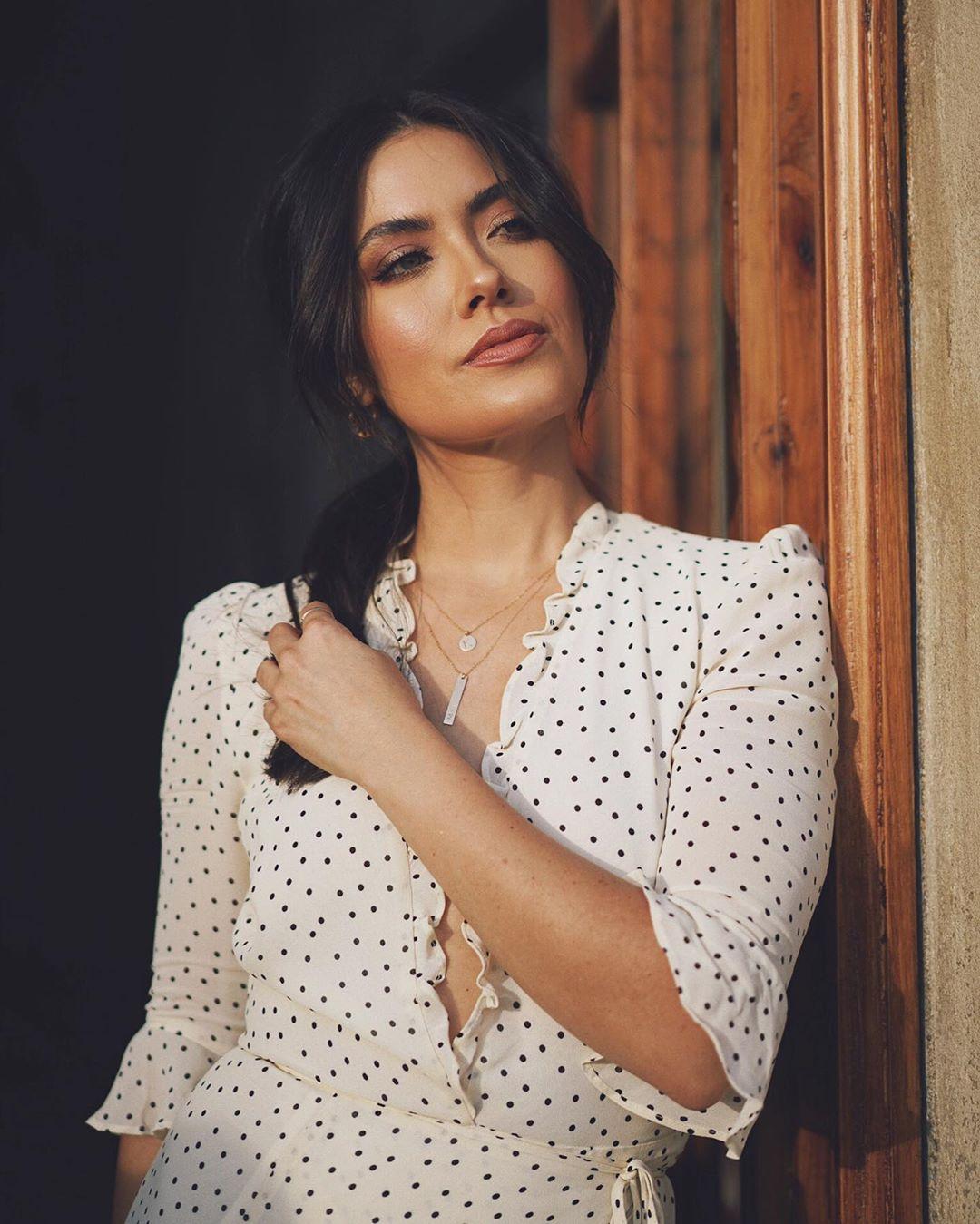 Melissa-Alatorre-Wallpapers-Insta-Fit-Bio-3