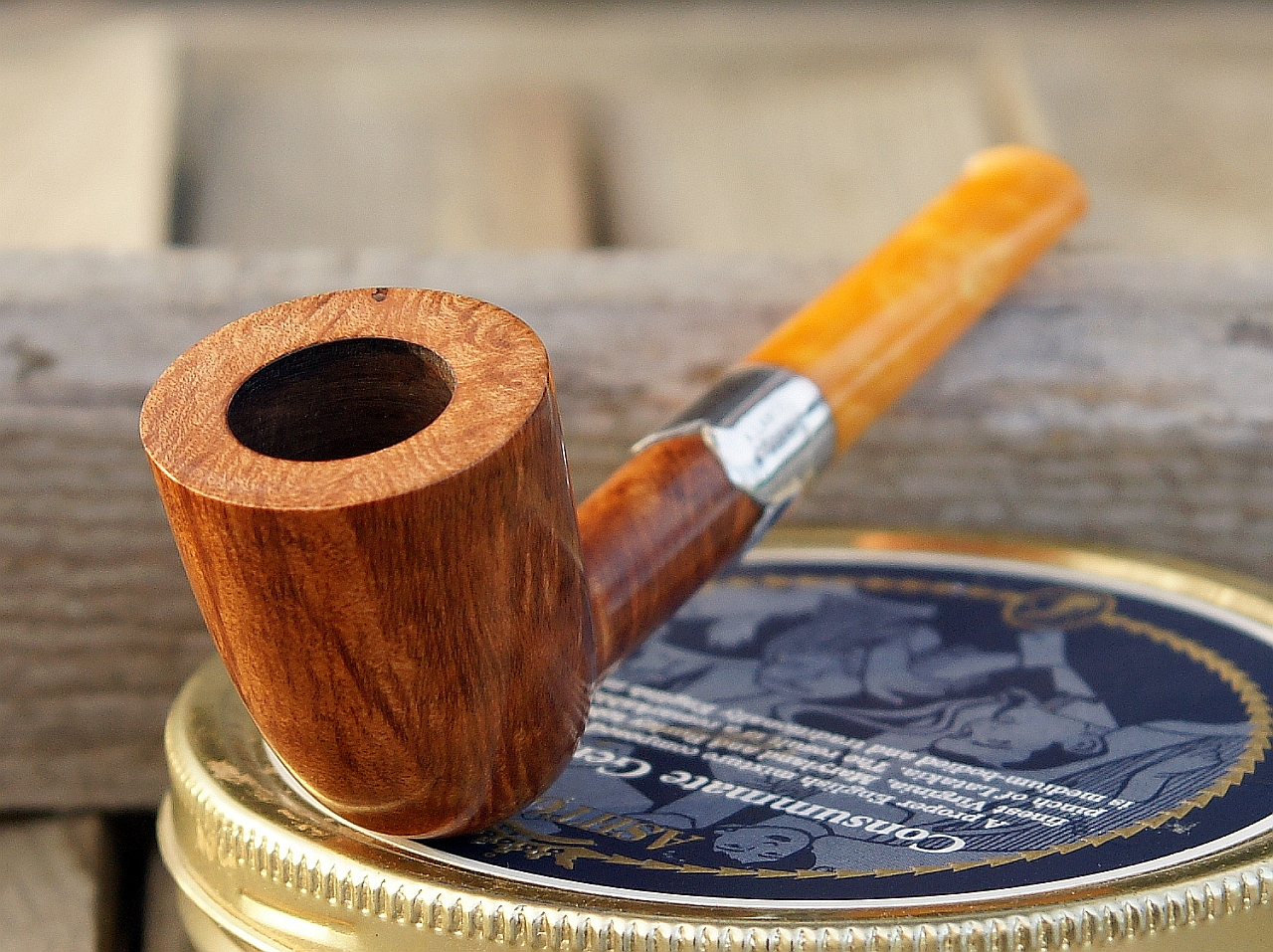 A. Lancel cased dublin from the 1880-1900 years (unsmoked)