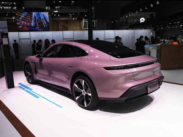 2019 - [Porsche] Taycan [J1] - Page 18 21-DEAE9-C-A618-41-A6-BAEE-05-A5-C79716-BF