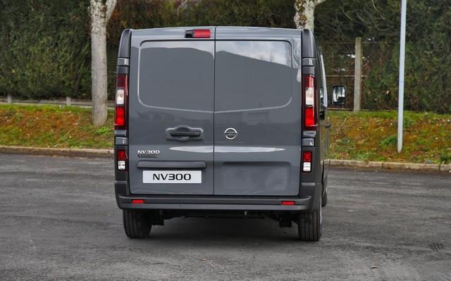 Série limitée Made in France pour les fourgons Nissan NV250, NV300 et NV400  NISSAN-NV-300-04-source