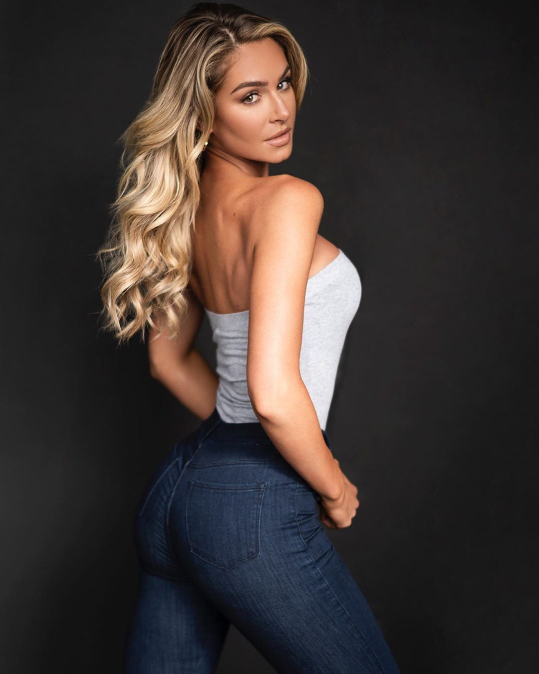 Anna-Katharina-Wallpapers-Insta-Fit-Bio-1