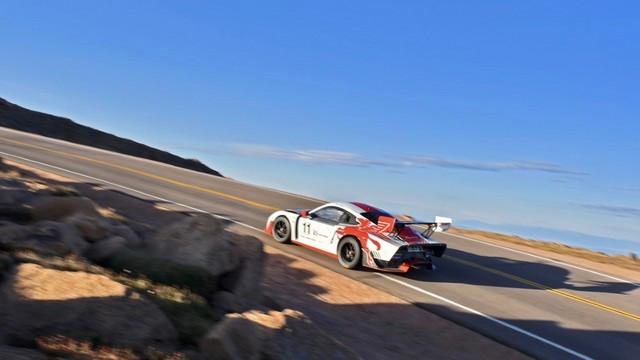 Jeff Zwart et la Porsche 935 se préparent pour l'ascension internationale de Pikes Peak Thumbnail-200809rb-770