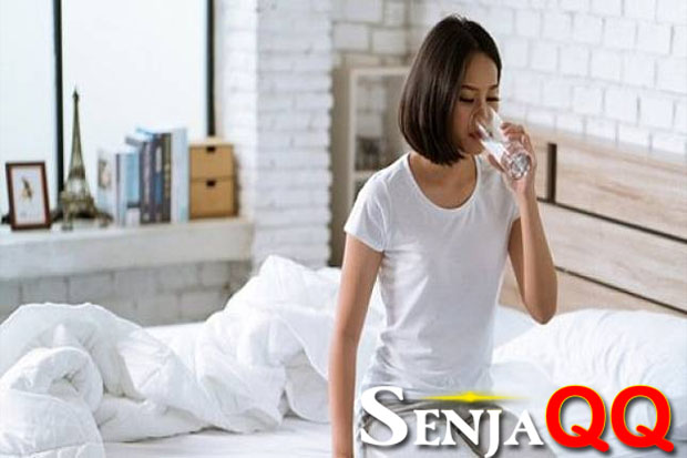 Zodiak Kesehatan Besok: Aquarius, Perbanyak Minum Air Putih