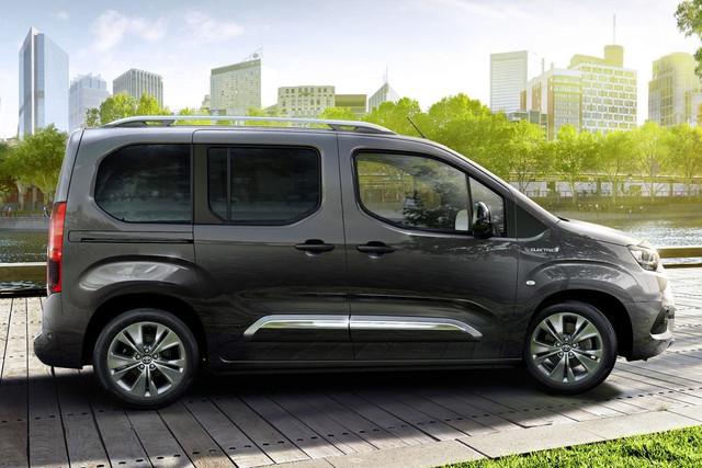 2018 - [Peugeot/Citroën/Opel] Rifter/Berlingo/Combo [K9] - Page 10 F52-C68-A4-2382-427-D-A16-F-82-A6-FC116-D5-E