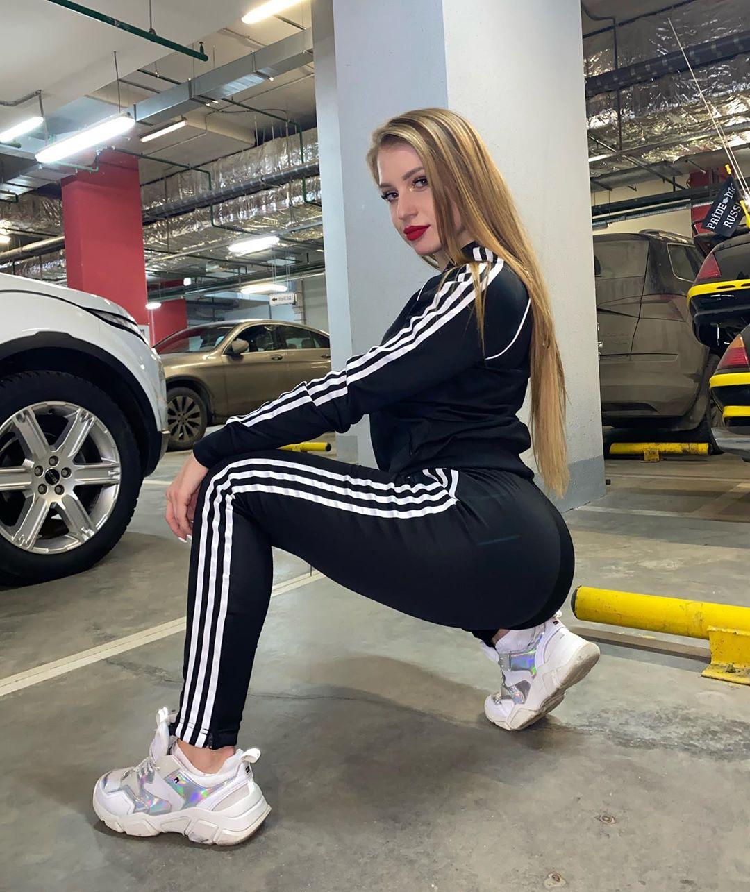 Polina-Dubkova-Wa-a-ers-Insta-Fit-Bio-3