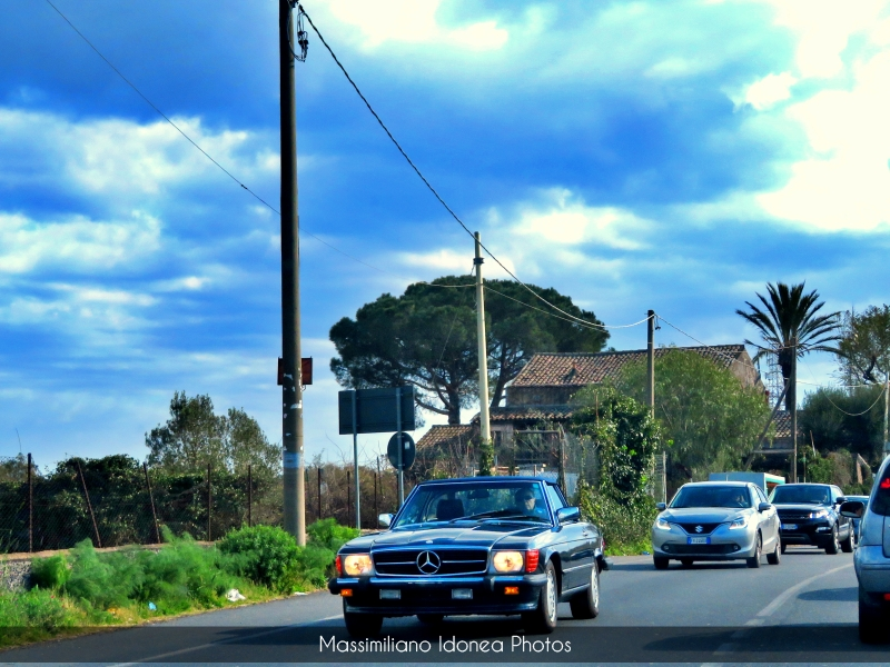 avvistamenti auto storiche - Pagina 3 Mercedes-R107-America-1