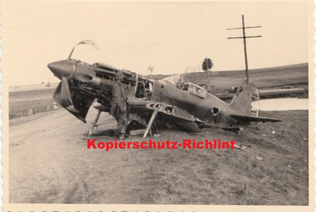 org-Foto-Wehrmacht-Frankreich-franz-sisches-Jagdflugzeug-Dewoitine