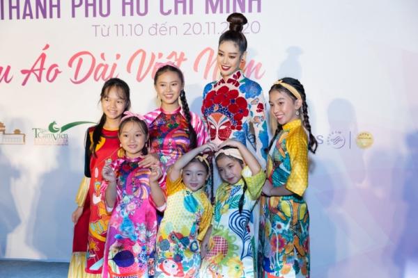 Hoa-hau-Khanh-Van-Khai-mac-Le-Hoi-Ao-Dai34-1024x768.jpg