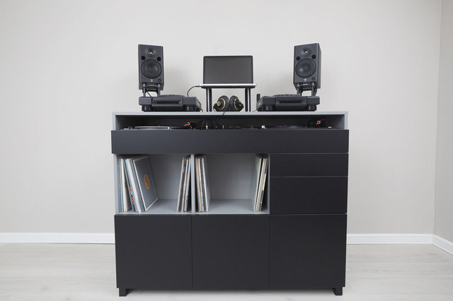 Roomy-DJ-5