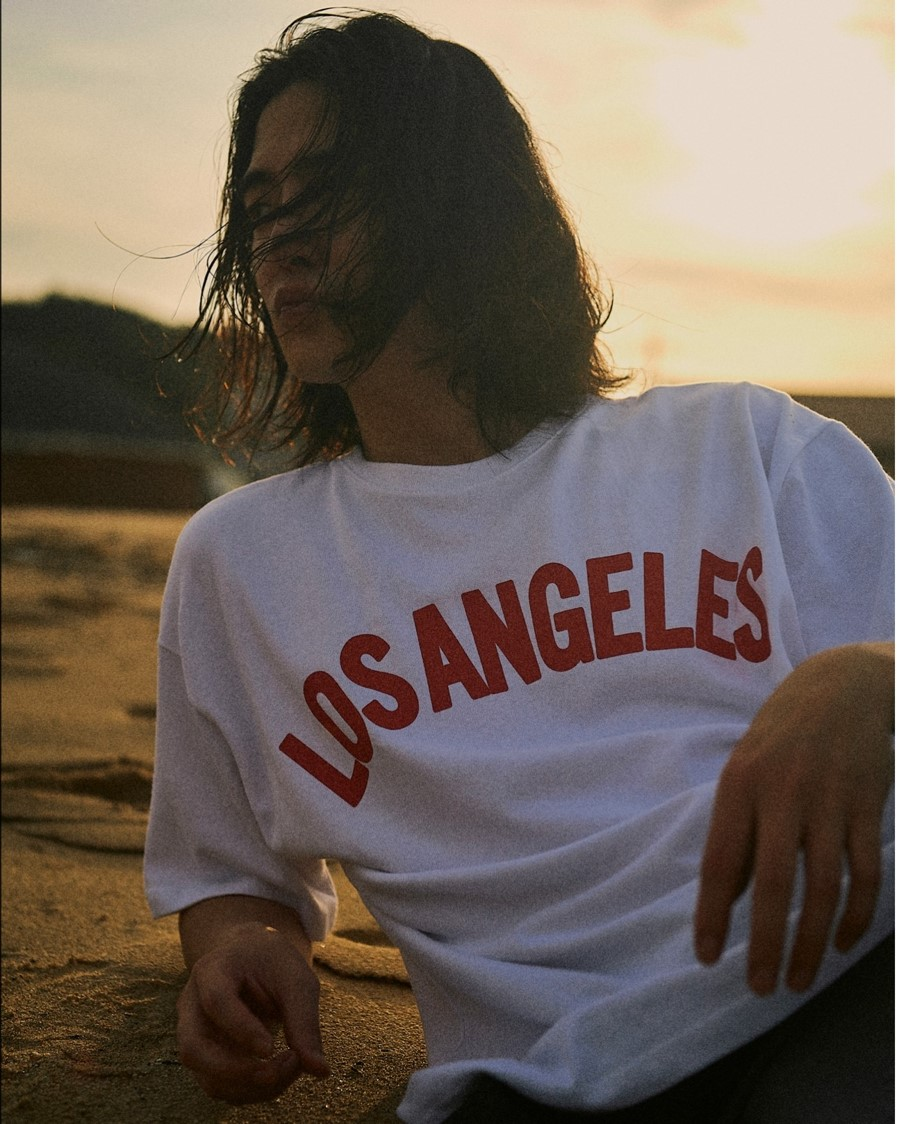 Los-Angeles-T-Shirt-Product-Description-04