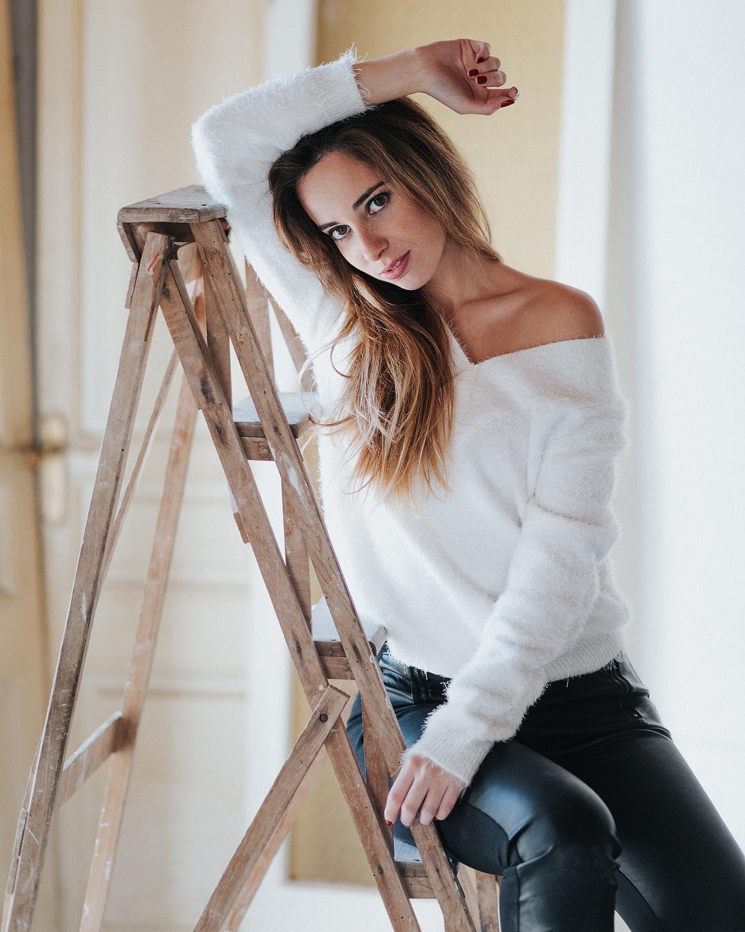 Cristina-Clea-Wallpapers-Insta-Fit-Bio-13