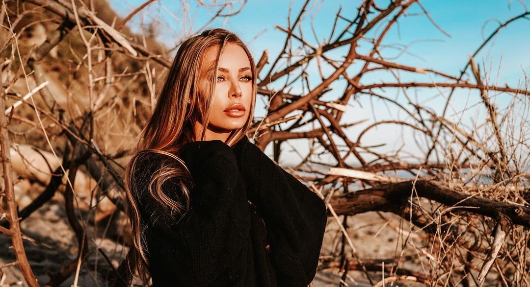 Nicole-Aniston-Wallpapers-Insta-Fit-Bio-13