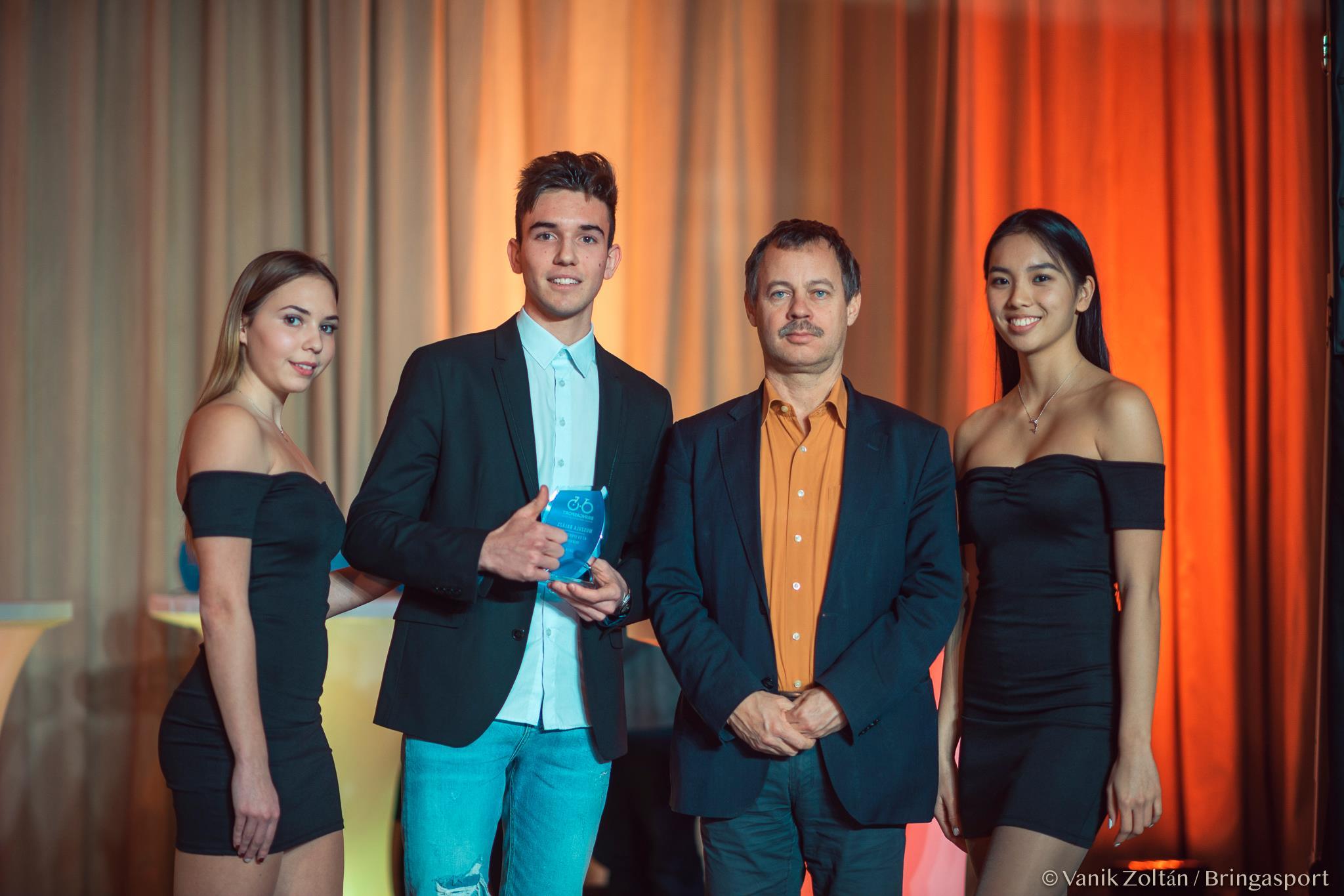 classic hot sales official Cikkek / Palotai, Lenthár, Muszula az év downhill sportolója ...
