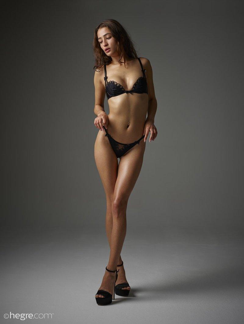 brunette-bombshell-sashenka-takes-off-her-black-lingerie-to-expose-her-assets-01-w800