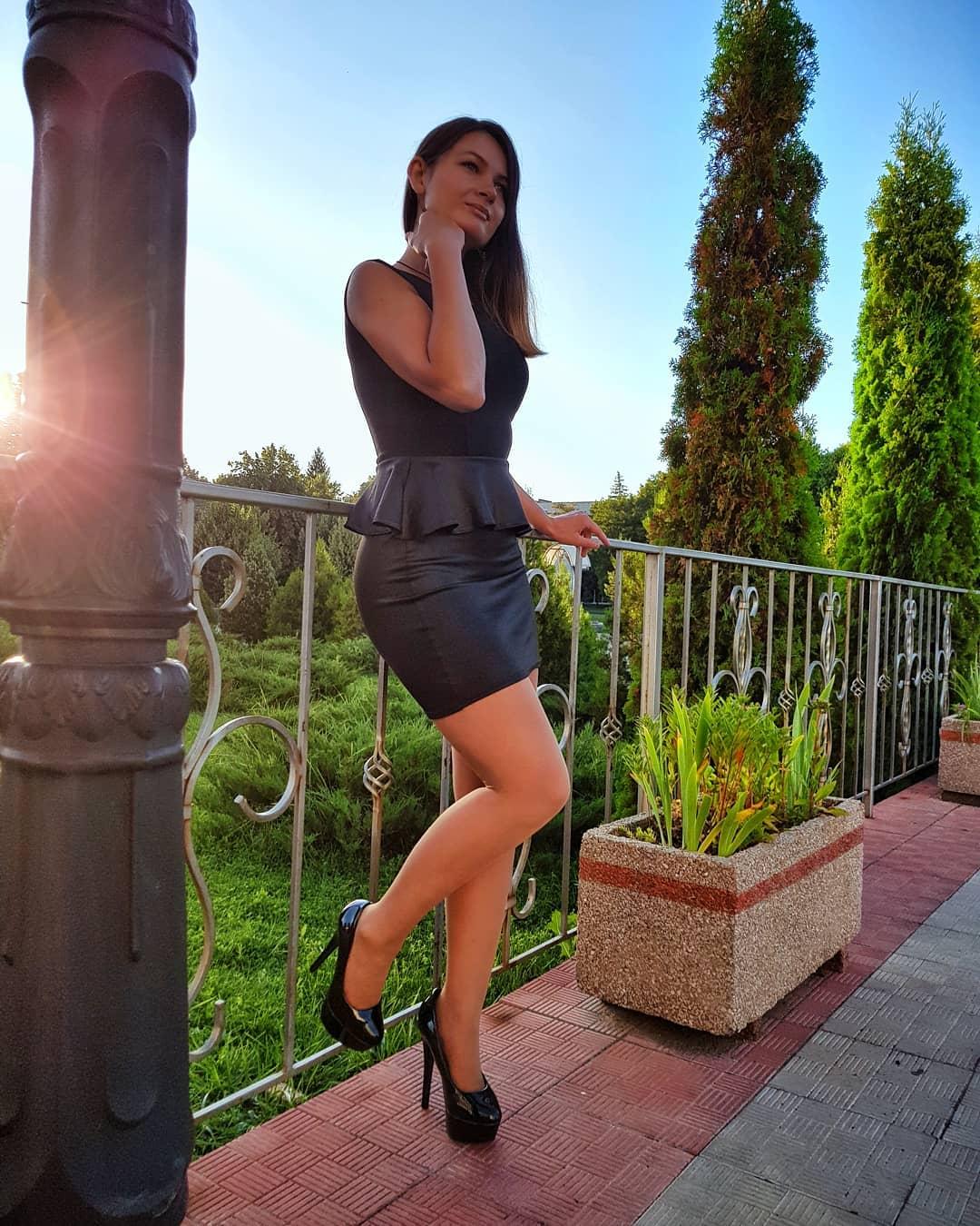 Olga-Madych-Wallpapers-Insta-Fit-Bio-19