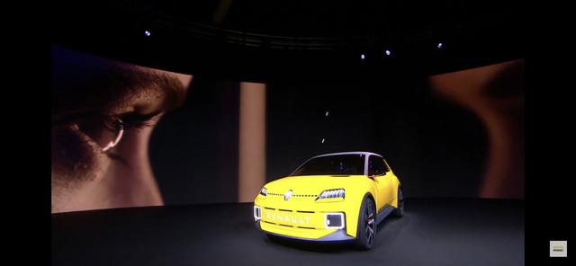 2021 - [Renault] 5 E-Tech 74-E34810-F4-B6-4-D3-D-A0-D3-85-C14-A965-BFD