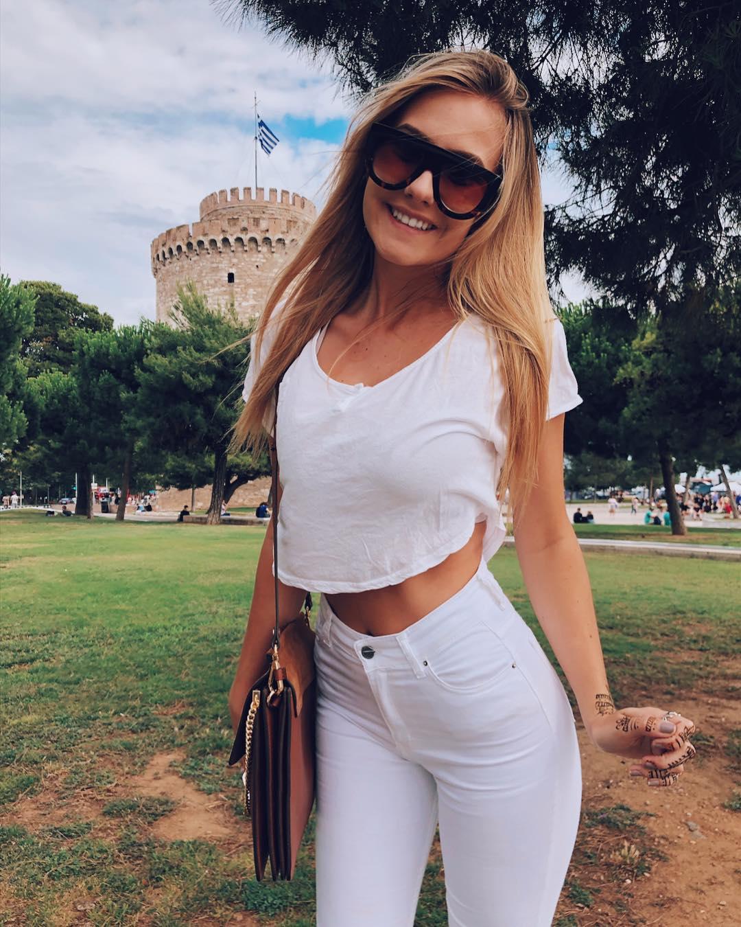 Lauren-Angelov-Wallpapers-Insta-Fit-Bio-2