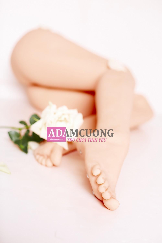 White-rose-Thin-Y-Leg-19