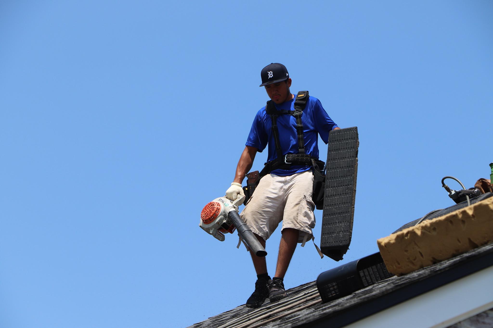 Roofing-contractors-Dearborn-Michigan