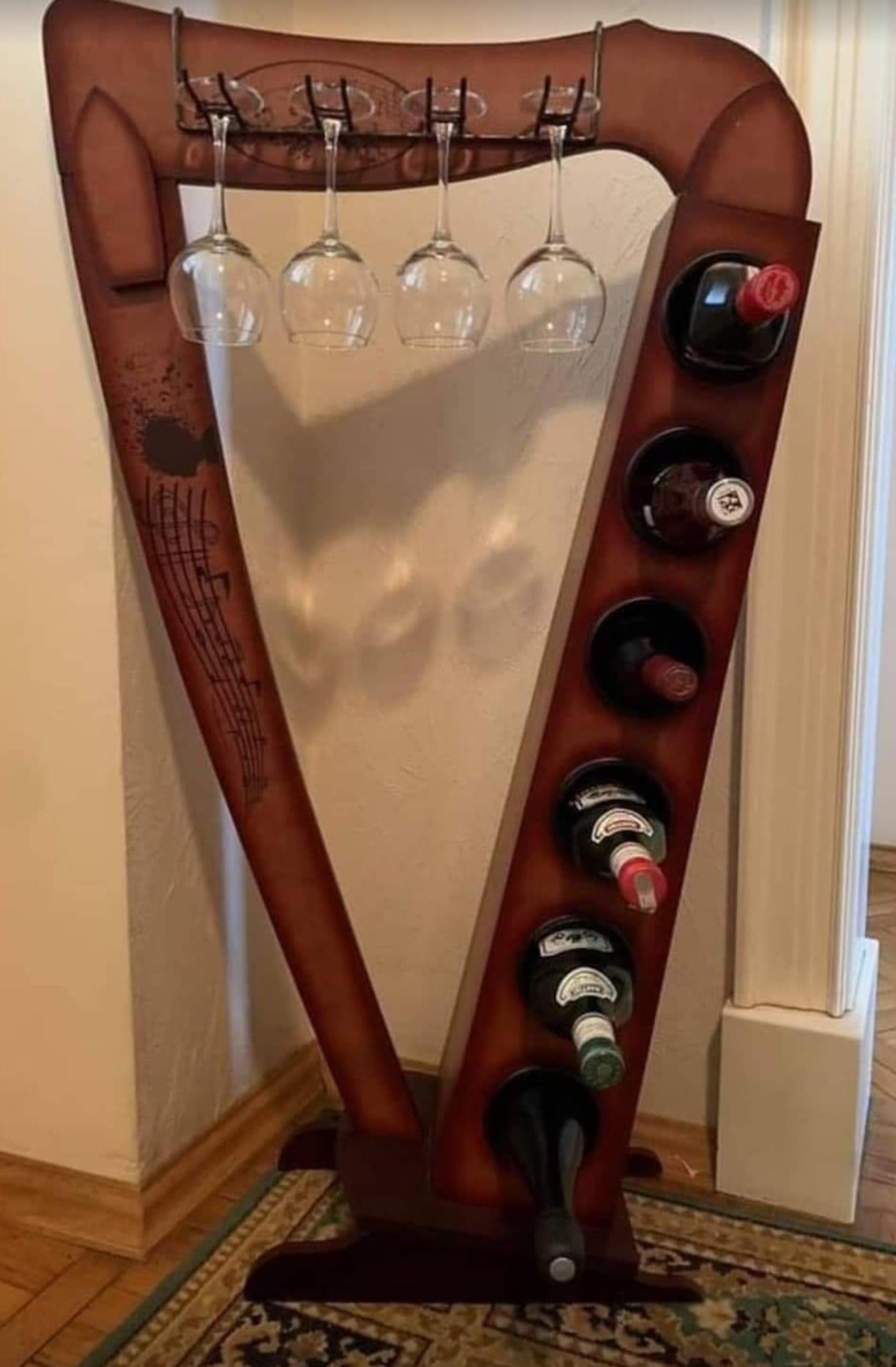 Harp wine rack