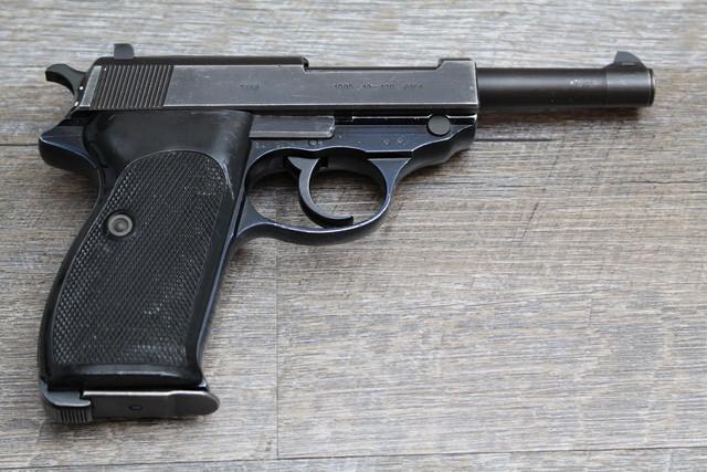 [Resim: Walther-P38-3r.jpg]