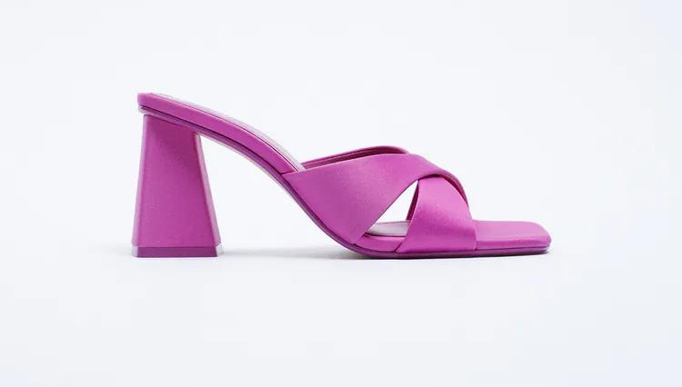 Zara, i sandali versione low cost di quelli The Attico