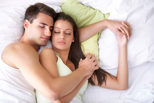 [Image: couple-sharing-bed.jpg]