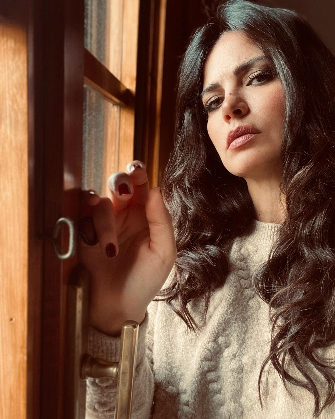 Laura-Torrisi-Wallpapers-Insta-Fit-Bio-8
