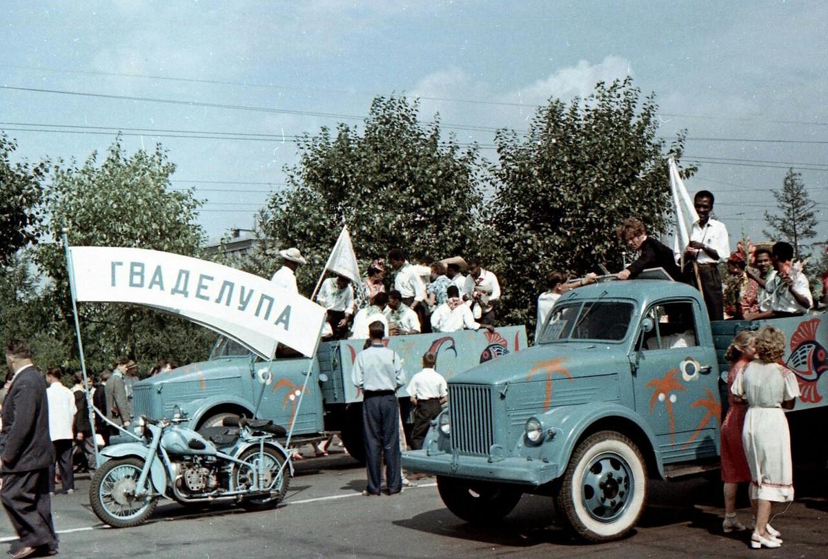 festival molodezhi studentov Moskva 1957.jpg 3