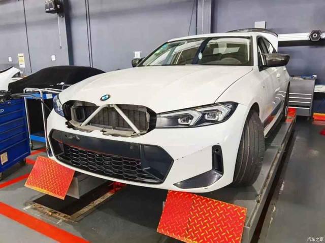2022 - [BMW] Série 3 restylée  699428-CC-6127-4-ADF-9990-AEBB74-EA013-A