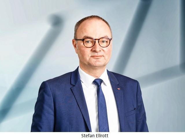De nouvelles tâches attribuées au Directeur du Développement de Bugatti 04-portraits-comp2-0002-elrott