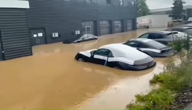 Brand-New-Porsches-Under-Water-In-German-Dealership-After-Disastrous-Rains-0-22-screenshot