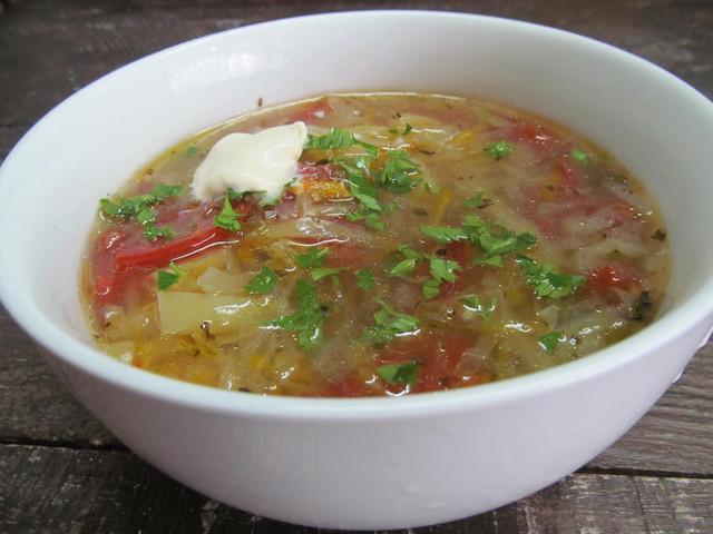 Суп из капусты со сладким перцем