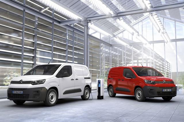 2018 - [Peugeot/Citroën/Opel] Rifter/Berlingo/Combo [K9] - Page 9 C91-D77-A1-1-E22-4-BA8-9871-F560-B49-CF86-C