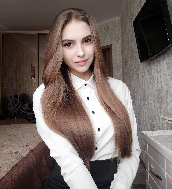 Katya-Melnyk-Wallpapers-Insta-Biography-1